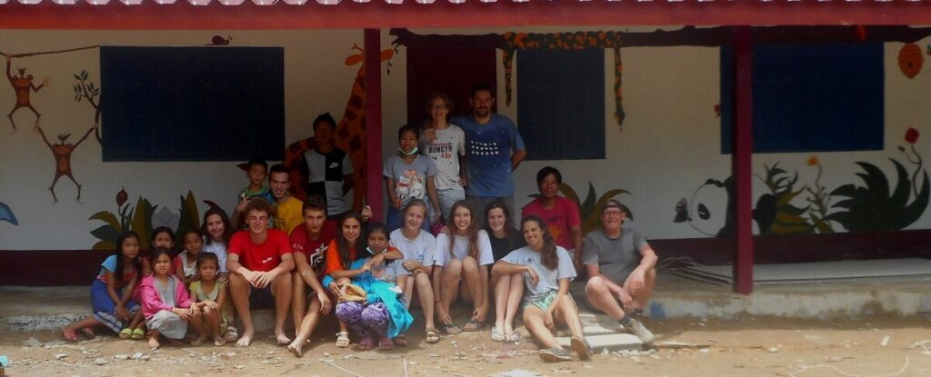 high school volunteer abroad