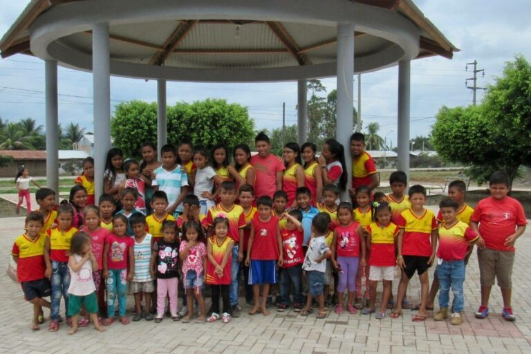 volunteer abroad - Community work