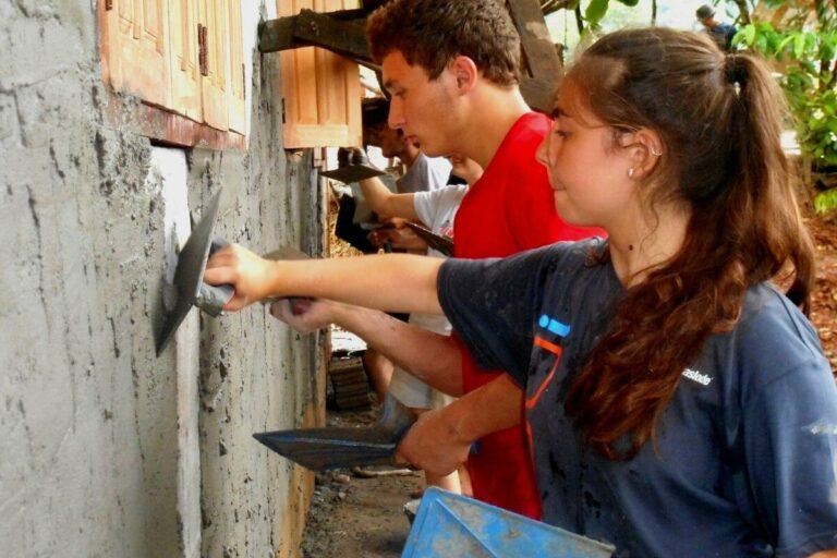 volunteer abroad - construction